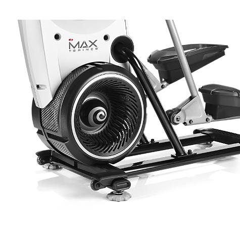 bowflex max vs elliptical trainer - pedals