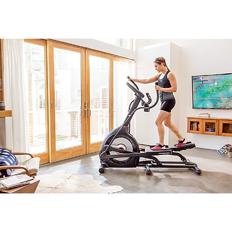 elliptical vs max trainer